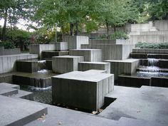 Brutalist fountain, Freeway Park, Seattle, Washington. Lawrence Halprin,