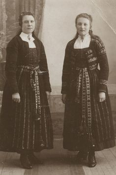 Girls from Delsbo, Hälsingland.