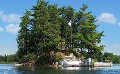 Casa conta ainda com uma pequena doca para barcos e canoas: http://revista.zap.com.br/imoveis/conheca-10-incriveis-ilhas-para-alugar-casa-de-temporada/
