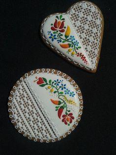 Mézesmanna Lace Cookies, Flower Cookies, Heart Cookies, Royal Icing Cookies, Cupcake Cookies, Honey Cookies, Russian Cookies, Hungarian Cookies, Biscuit Decoration