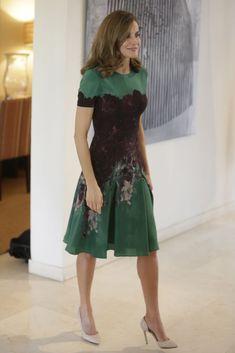 La Reina Letizia nos recuerda al verano con este vestido- ElleSpain