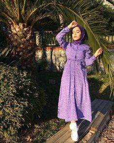 fashion and you london fashion week Modern Hijab Fashion, Muslim Fashion, Modest Fashion, Fashion Dresses, Style Hijab Simple, Simple Outfits, Hijab Dress Party, Hijab Outfit, Fashion Models