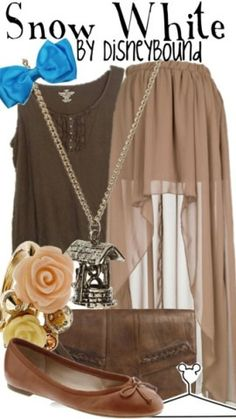 Disney- The exact outfit might not be my favorite, but the color combi is giving me some ideas :)