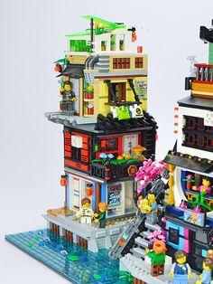 Ninjago City : The Suburbs (An extension to Lego set 70657 Ninjago City Docks) Lego Ninjago City, Lego City, Cyberpunk, Lego Minifigure Display, Big Lego, Lego Sculptures, Lego Construction, Lego Modular, Cool Lego Creations