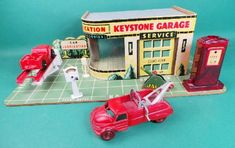 Old Keystone Service Station Garage Toy Antique Toys, Vintage Toys, Vintage Antiques, Metal Toys, Tin Toys, 1980 Toys, Toy Garage, Kids Ride On, Classic Toys