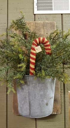 Christmas Room, Christmas Candy, Christmas Ideas, Candy Canes, Primitive Christmas, Xmas Crafts, Winter Season, Planter Pots, Angel