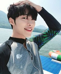 Find images and videos about woo dohwan on We Heart It - the app to get lost in what you love. Asian Actors, Korean Actresses, Korean Actors, Actors & Actresses, Kim Woo Bin, Bae Suzy, Kim Min, Lee Min Ho, Handsome Actors