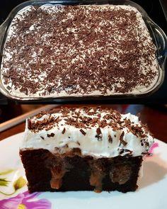 Σοκολατένιο κέικ σιροπιαστό με ζαχαρούχο !!! Η γνωστή συνταγή με το ζαχαρούχο που κυκλοφορεί στο διαδίκτυο με δικές μου αλλαγές... Για το... Greek Sweets, Greek Desserts, Easy Desserts, Candy Recipes, Sweet Recipes, Cookie Recipes, Dessert Recipes, Mediterranean Desserts, Greek Cake