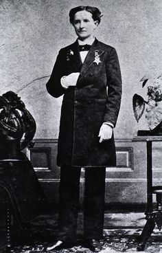 ♥ Mary Edwards Walker (November 26, 1832 in Oswego, New York– February 21, 1919) one of the nation's 1.8 million women veterans, was the only one to earn the Congressional Medal of Honor, for her service during the Civil War.  Mary became an early enthusiast for Women's Rights, and passionately espoused the issue of dress reform. She graduated from the eclectic Syracuse Medical College, the nation's first medical school and one which accepted women and men on an equal basis.