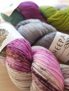 I love hand-dyed fingering weight yarn. Whether it's solid, semi-solid, variegated or striped. But if I only ever knit socks it can get quite boring. So what to do with all that sock yarn? Click here and read on for many links to free patterns to knit with your loved stash!