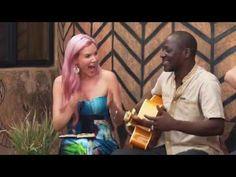 Joss Stone in Burkina Faso doing a collaboration with Bil Aka Kora. Joss Stone, Camera Phone, Good Music, Collaboration, Jazz, Music Videos, Blues, Songs, Amazing