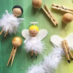 50 DIY Fun Easy and Unusual Christmas Ornaments - unusual holiday handmade crafts, angels - Creative Christmas Trees, Easy Christmas Crafts, Christmas Projects, Simple Christmas, Christmas Tree Decorations, Thanksgiving Crafts, Christmas Crafts For Kids To Make At School, Advent For Kids, Handmade Christmas Gifts