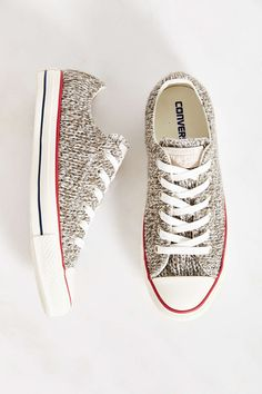 12e88bf8d3f9a Converse Winter Knit Lo-Top Womens Sneaker - Urban Outfitters Chaussure  Classe