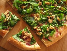 Thin Crust Fig Preserve and Arugula Pizza