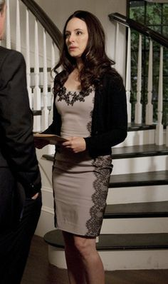 Victoria Grayson always looks her best, no matter what the occasion. Fashion Tv, Star Fashion, Fashion Beauty, Autumn Fashion, Revenge Tv, Sweet Revenge, Victoria Grayson, Madeleine Stowe, Revenge Fashion