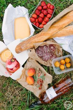 Paris picnic inspirado for this autumn. (mmmm, the salami! & cheese!)  Free Trip to Paris Giveaway | Fat Tire Tours