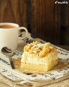Tarta de queso - cheesecake, applecream and crumbling ontop Pastry Recipes, Gourmet Recipes, Sweet Recipes, Dessert Recipes, Apple Desserts, Homemade Desserts, Sweets Cake, Cupcake Cakes, Cupcakes
