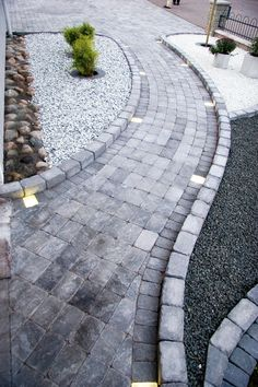 garten pflaster Products: labyrinth mini sea lion black and white 15 kg cobblestone 800 . - Products: Labyrinth Mini Sea Lion Black and White 15 kg cobblestone 800 kg Troy Antique 50 Main # f - Outdoor Landscaping, Front Yard Landscaping, Outdoor Gardens, Backyard Garden Design, Backyard Patio, Market Garden, Garden Paths, Garden Inspiration, Longwood Gardens
