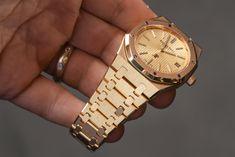 Audemars Piguet Extra-Thin Jumbo Royal Oak Ref. 15202 Gold Watch Hands-On