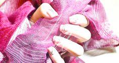 No te pierdas la tendencia de líneas, la cuál te ofrece una infinidad de combinaciones de Nail arts artisticos o minimalistas.  http://femeni-nails.com/tendencias/la-tendencia-de-lineas/