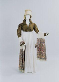 Green spencer, dress, bonnet and shawl ensemble  1810  Bunka Gakuen Museum