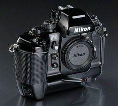 Nikon Film Camera, Nikon Digital Camera, Camera Gear, Antique Cameras, Old Cameras, Vintage Cameras, Classic Camera, Camera Obscura, Photography Camera