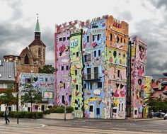 Funny buildings.  Rizzi House (spongebob house) at Brunswick