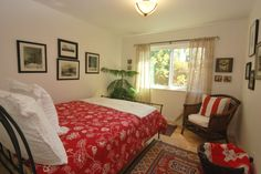 Well lit guest room from Kenwood Hideaway property