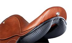 Super comfort, anti-shock gel, Integrated SicurSell device, pro grip technology  #madeinitaly #selleriapariani #pariani #selle #saddle