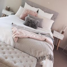 Teen Girl Bedrooms – A basic yet warm design information. Ought to see coool id… Teen Girl Bedrooms – A basic yet warm design information. Ought to see coool id…,Zimmer Teen Girl Bedrooms –. Blush Pink Bedroom, Pink Bedroom Decor, Simple Bedroom Decor, Cute Bedroom Ideas, Room Ideas Bedroom, Girl Bedroom Designs, Stylish Bedroom, Pink Room, Pink And Grey Bedding