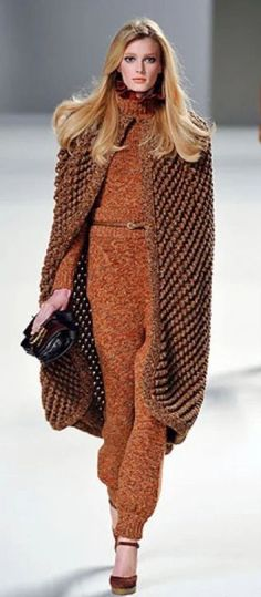 Spice Girls, Sweater Weather, Spice Things Up, Fall Outfits, Taupe, Fashion Show, Autumn Fashion, Fall Winter, Chic