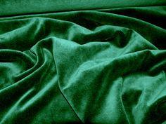 zöld plüss fenyőfának