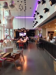 Design by APTO.  --------  Moxy Hotel le premier Hotel design et fun à prix abordable de la chaîne Marriott