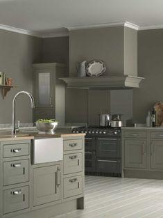BQ carisbrooke kitchen cooke and lewis Shaker Style Kitchen Cabinets, Green Kitchen Cabinets, Shaker Style Kitchens, Kitchen Cabinet Styles, Shaker Kitchen, Home Kitchens, Gray Cabinets, Ikea Kitchens, Cupboards