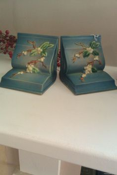 floral book bookends