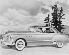 Buick Roadmaster Riviera 1949 Coupe 8 x10 Cars Photo The Roadmaster was an automobile built by the Buick division of General Motors. Buick first used the Roadmaster name between 1936 and 1958. The Riv