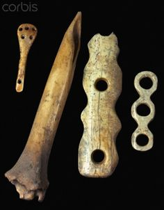 Neolithic carved bone imple-ments used for sewing & weaving that were excavated at Çatalhüyük (Cnt Anatolia) which was a large Neolithic & Chalcolithic settlement. Mus of Anatolian Civilizations in Ankara