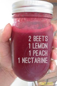Smoothies are a good addition to anyone's diet, and many people have fallen in love with their delicious taste and added health benefits. From sweet treats to green smoothies, there are a variety o… Juice Smoothie, Smoothie Drinks, Detox Drinks, Smoothie Recipes, Detox Juices, Healthy Juices, Healthy Smoothies, Healthy Drinks, Healthy Nutrition