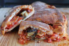 Oggi tutti a pranzo su #Nutrichef con la #scacciaragusana di @lacassata. Una pasta per #pizza #senzaglutine che avvolge un ripieno sfizioso.