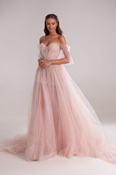 Delicate form-fitting ball gown featuring sparkling tulle and intricate frontal design. Ball Gowns Prom, Ball Dresses, Prom Dresses, Pink Ball Gowns, Corset Dresses, Evening Dresses, Blush Pink Wedding Dress, Dream Wedding Dresses, Gown Wedding