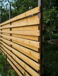 DIY Backyard Privacy Fence Ideas on A Budget (15)