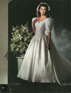 90 Best Bridal Gowns Of The 1990 S Images Vintage Wedding Dresses