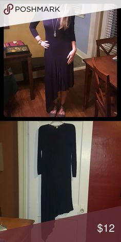Navy blue vertical dress Very comfy cute long sleeved dress.  Sleeves are too short for me (as shown in picture lol:) ).  Worn once! Forever 21 Dresses Asymmetrical