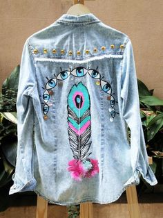 Trendy Embroidered Jean Jacket from 58 of the Affordable Embroidered Jean Jacket collection is the most trending fashion outfit this winter. This Embroidered Jean Jacket look related to denim… Denim Fashion, Fashion Outfits, Fashion Trends, Trending Fashion, Ladies Fashion, Womens Fashion, Diy Clothes, Clothes For Women, Jean Jacket Outfits