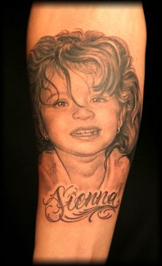 Portrait Tattoo by Shane O'Neill, ink master. he nailed this.looks exactly like the photo Little Tattoos, Tattoos For Guys, Cool Tattoos, Tatoos, Awesome Tattoos, Ink Master Tattoos, Tattoo Nightmares, Best Tattoo Ever, Cute Tats
