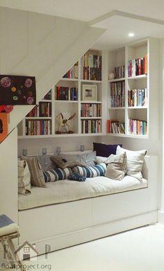 Embaixo da escada não é espaço perdido » Mundo das Casas