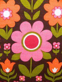 vintage 1960s fabric modflowers onto Fabulous fabric