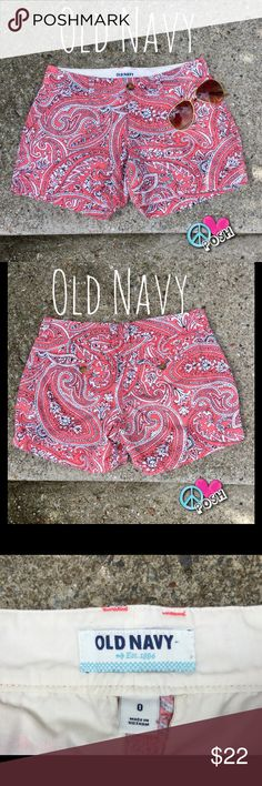 🌸 Old Navy Paisley Shorts 🌸 Old Navy Paisley Shorts  Size 0 or 25'W by 3' Inseam   Paisley Patten is Coral, Black, & White   Side Front Pockets & 2 Pocket Back 💯 Cotton ❌❌ NO TRADE ❌❌ 💜😃 Bundle & Save More 💜😃 Old Navy Shorts Bermudas