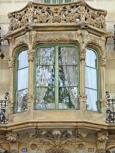 Barcelona, Passeig de Sant Joan Oriel Window