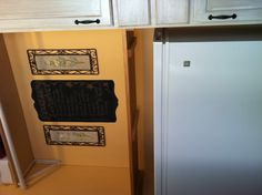 Now, I will always know what's in my chest freezer! Chalkboard paint + a little time = Organization!